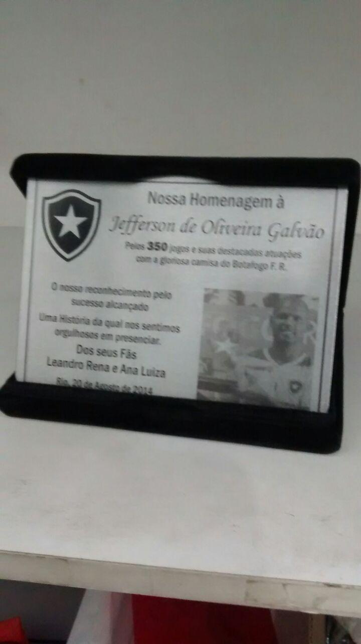 placas-homenagem-baixo-relevo-027