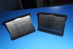 placas-homenagem-baixo-relevo-010