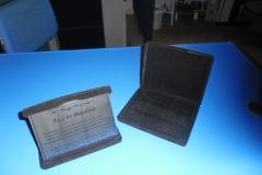 placas-homenagem-baixo-relevo-013