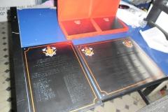 placas-homenagem-baixo-relevo-030